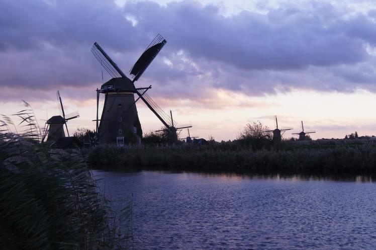 windmill-1002936_960_720