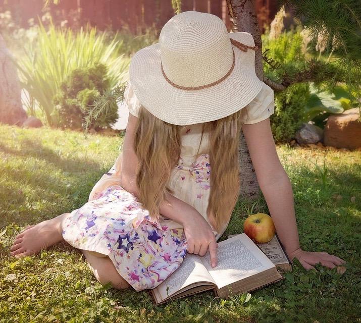 Girl.Reads