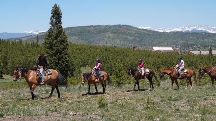 sara-horsebackriding