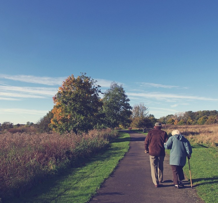 tlt-elderly-couple-walking